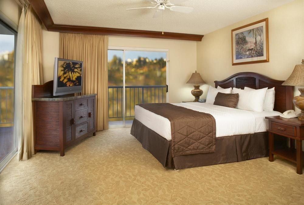 sofa property Bedroom Suite cottage hardwood Villa flat
