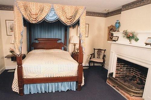property Bedroom Suite cottage home Villa