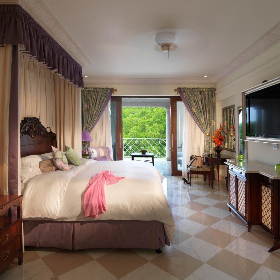property Bedroom Suite home cottage Villa living room