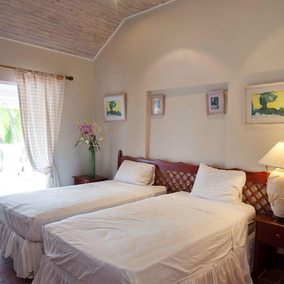 property Bedroom cottage home Villa Suite