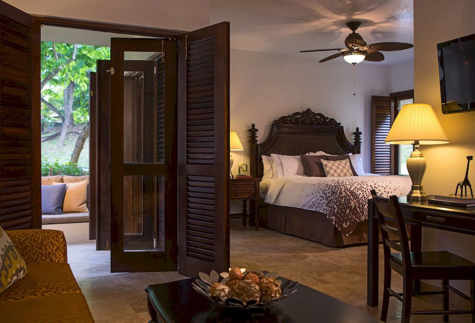 property Suite Bedroom living room cottage home Villa