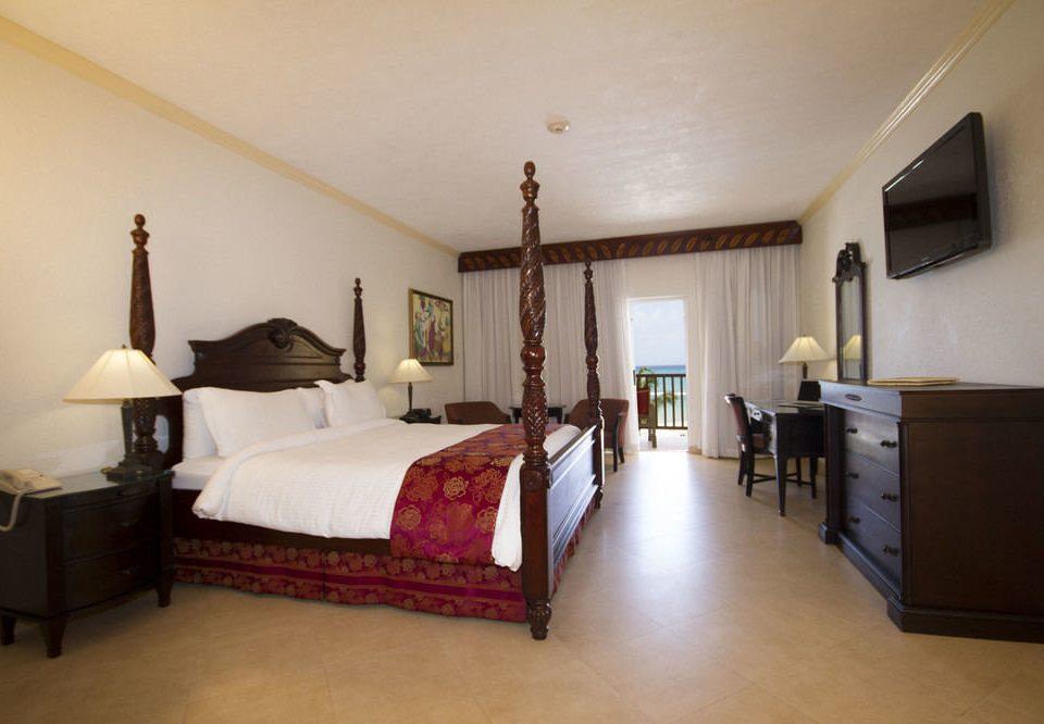 property Bedroom cottage home hardwood Suite Villa living room