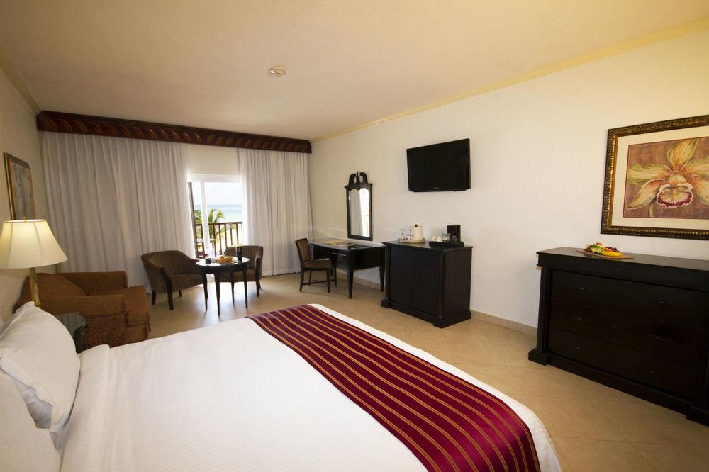 sofa property Suite Bedroom scene cottage Villa flat