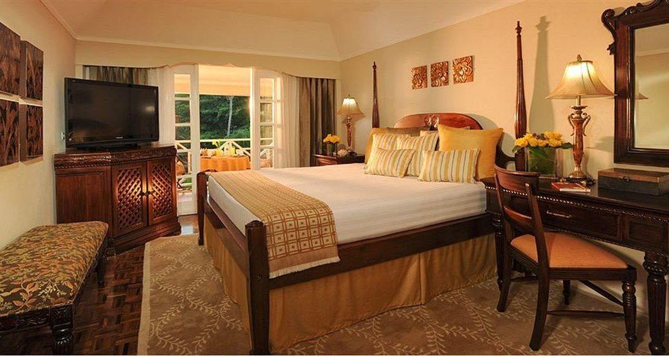 property Bedroom Suite home cottage hardwood Villa living room farmhouse
