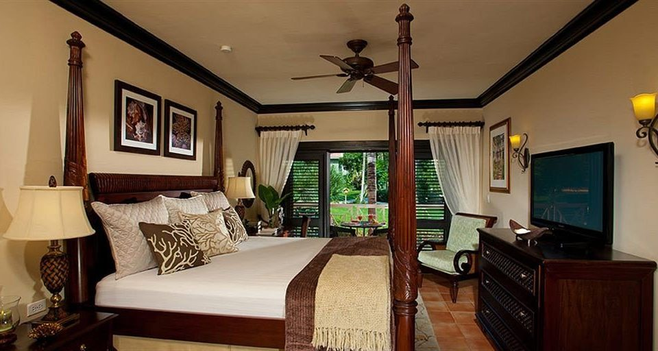 property Bedroom home living room cottage Villa Suite farmhouse mansion