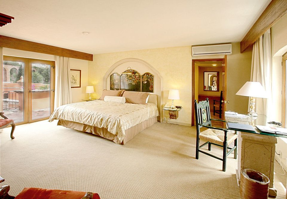 property Bedroom Suite home cottage hardwood living room Villa farmhouse