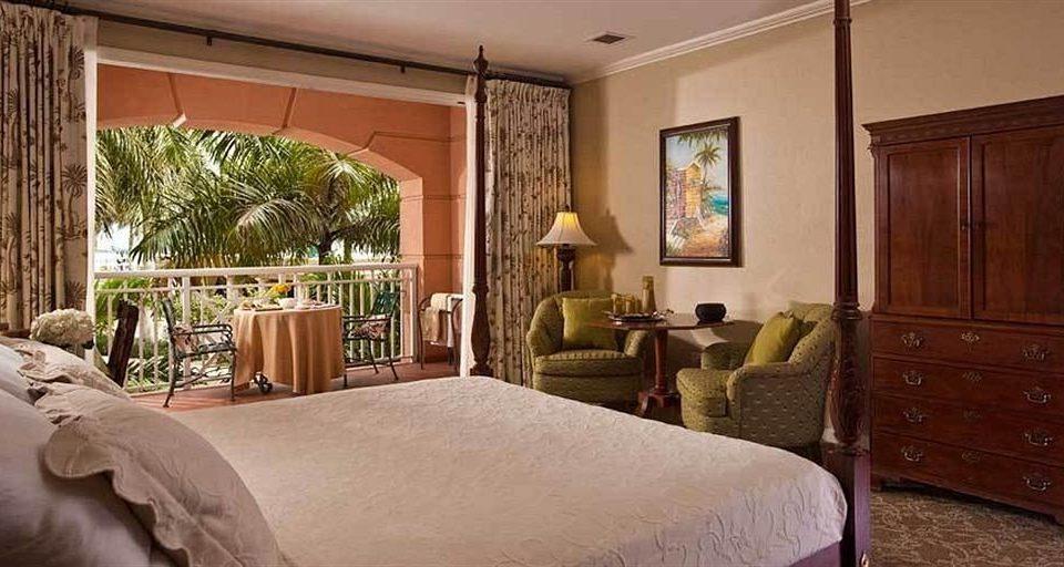 Bedroom property home cottage Suite living room Villa farmhouse mansion