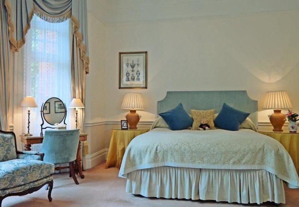 Bedroom property cottage home Suite living room Villa lamp