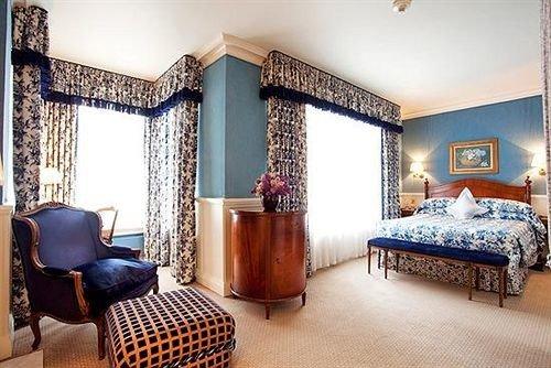 property Bedroom living room Suite cottage home Villa mansion