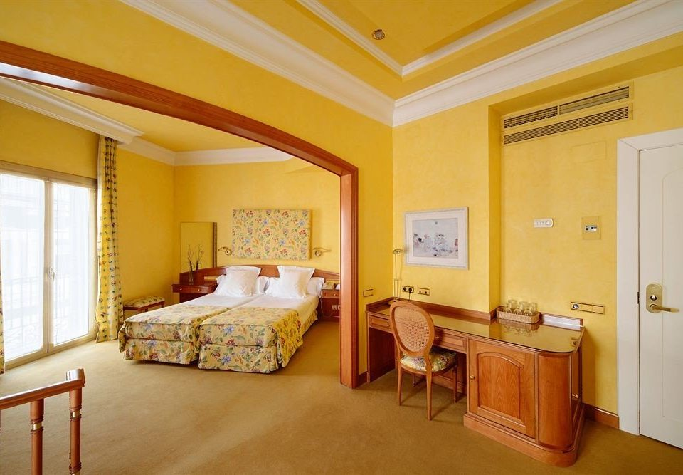 yellow property Suite Bedroom cottage Villa