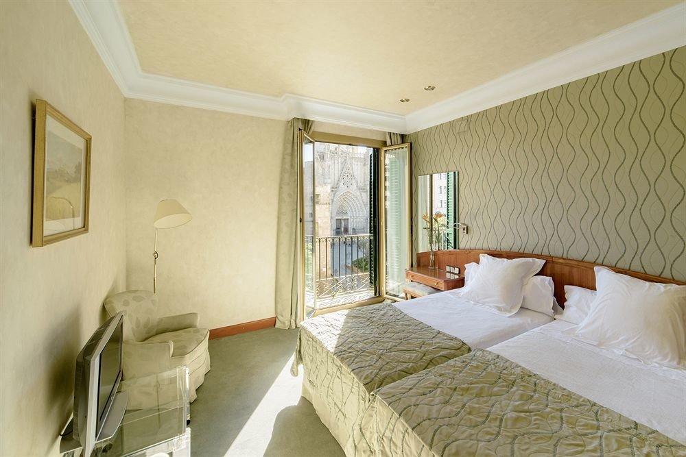 property Bedroom Suite cottage Villa mansion tan