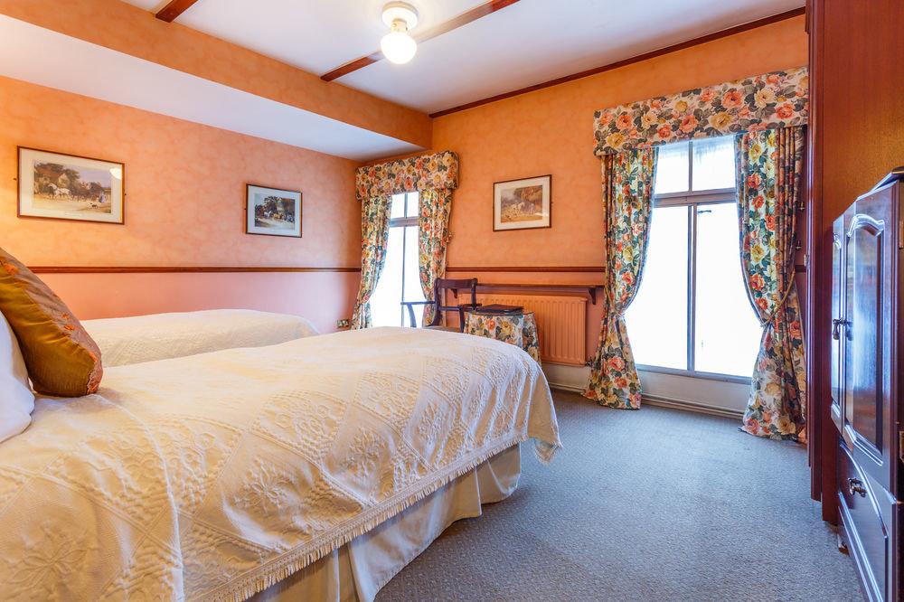 property Bedroom cottage Suite home Villa farmhouse