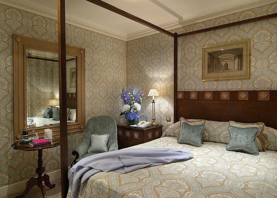 property living room Bedroom home mansion Suite cottage Villa