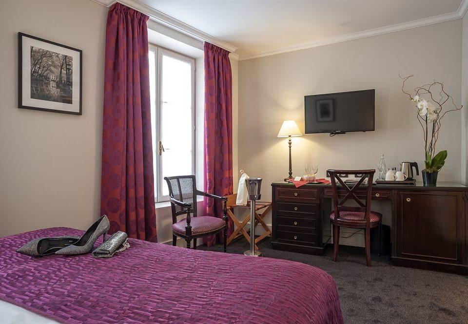 property Bedroom cottage Suite home living room Villa
