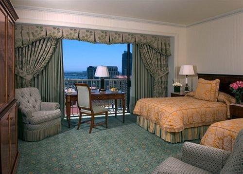 property Bedroom living room Suite cottage home Villa