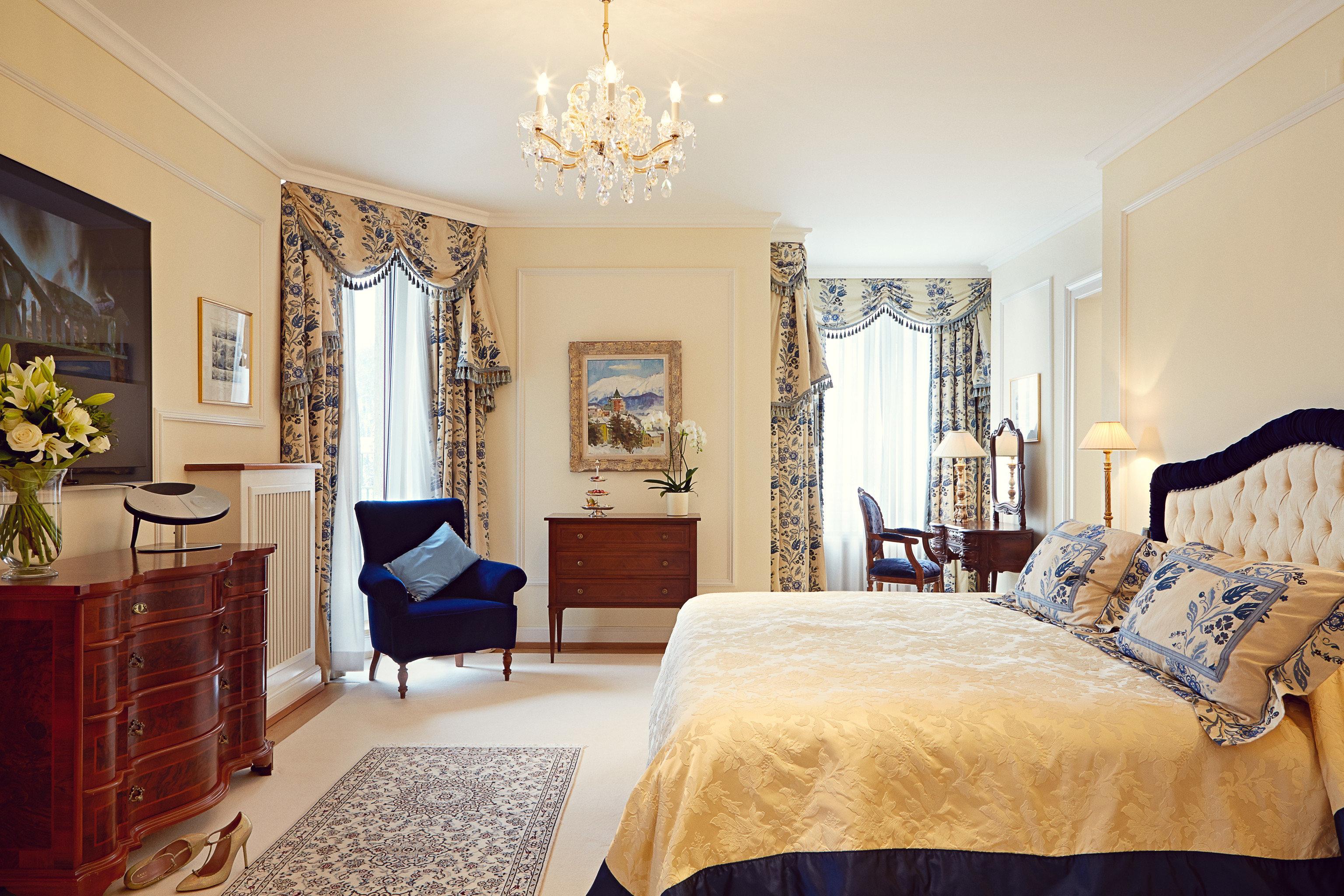 property Bedroom scene home Suite living room cottage Villa mansion