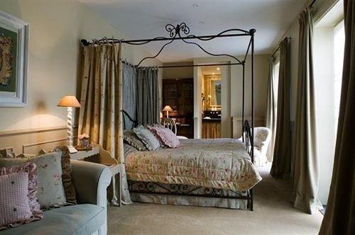 Bedroom property cottage home living room Suite Villa mansion farmhouse