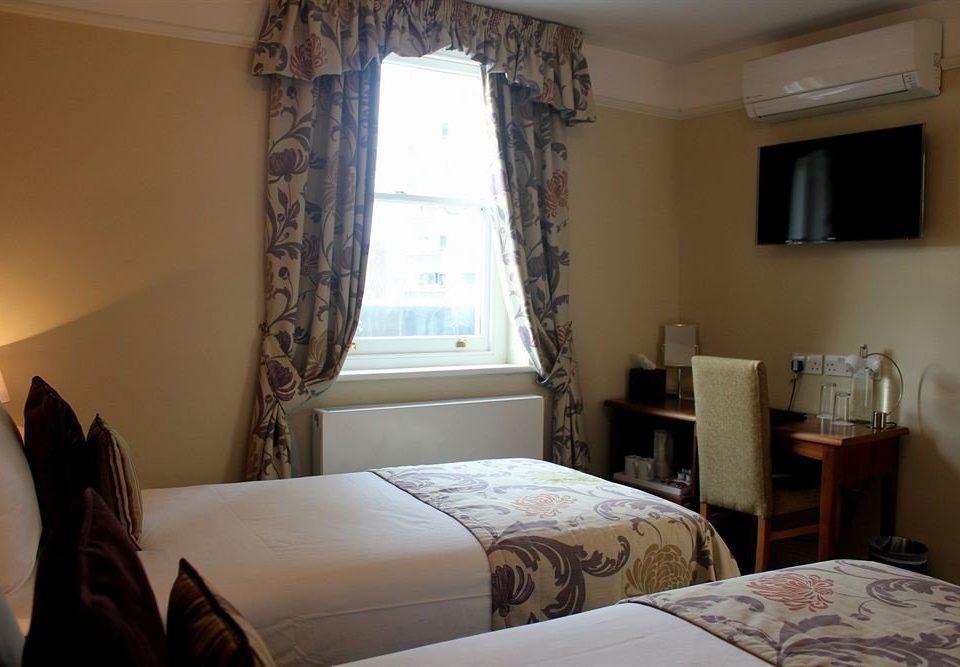 Bedroom property cottage home Suite pillow Villa