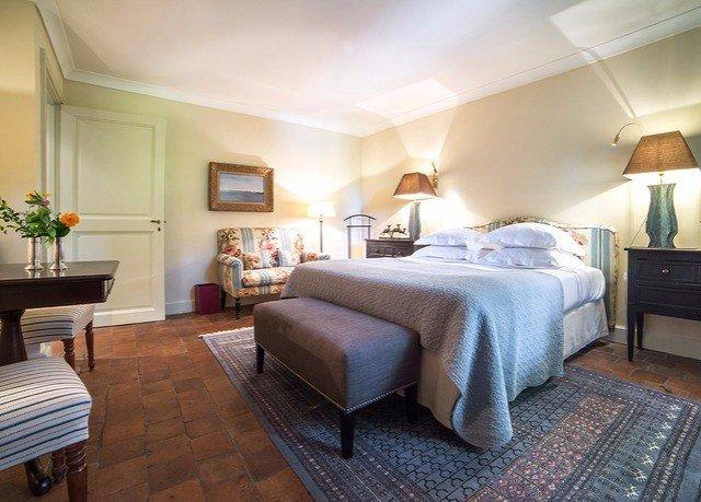 property Bedroom Suite cottage hardwood living room Villa