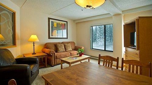 property living room home cottage hardwood Suite Villa farmhouse Bedroom flat