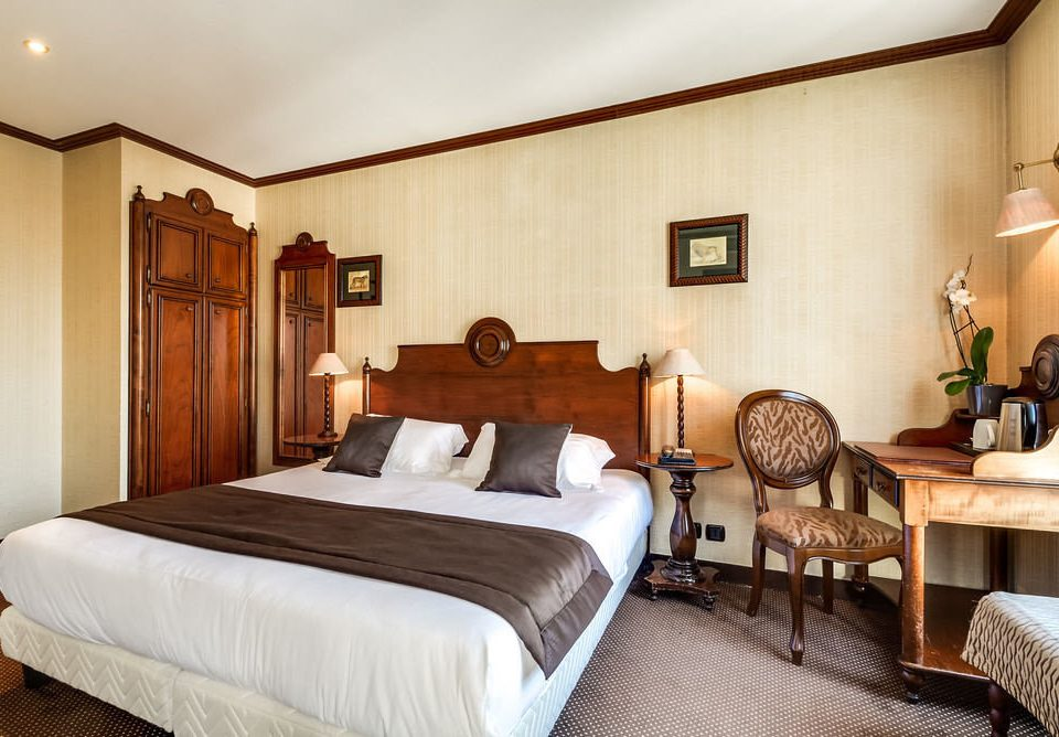 Bedroom property Suite wooden cottage Villa