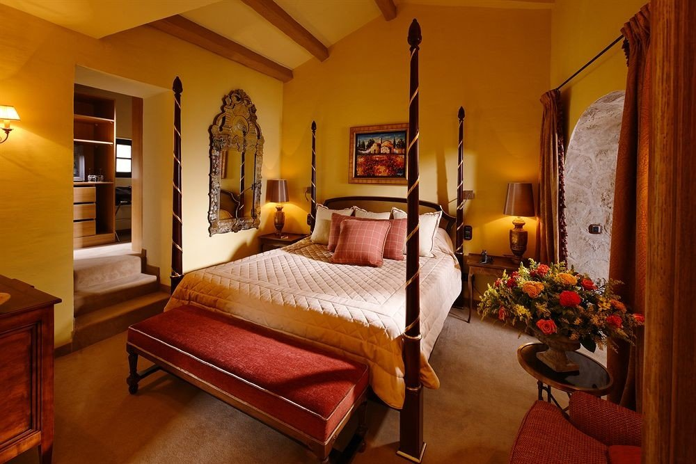 property Bedroom Suite cottage home Villa living room mansion farmhouse