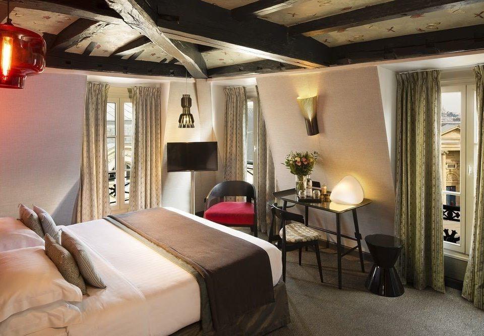 property Bedroom Suite living room home cottage Villa mansion