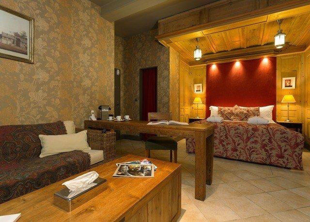 property living room hardwood cottage home Villa Suite mansion farmhouse wood flooring Bedroom