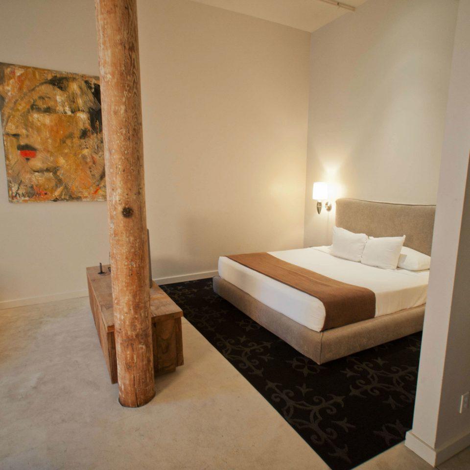 property hardwood Bedroom Suite cottage living room Villa