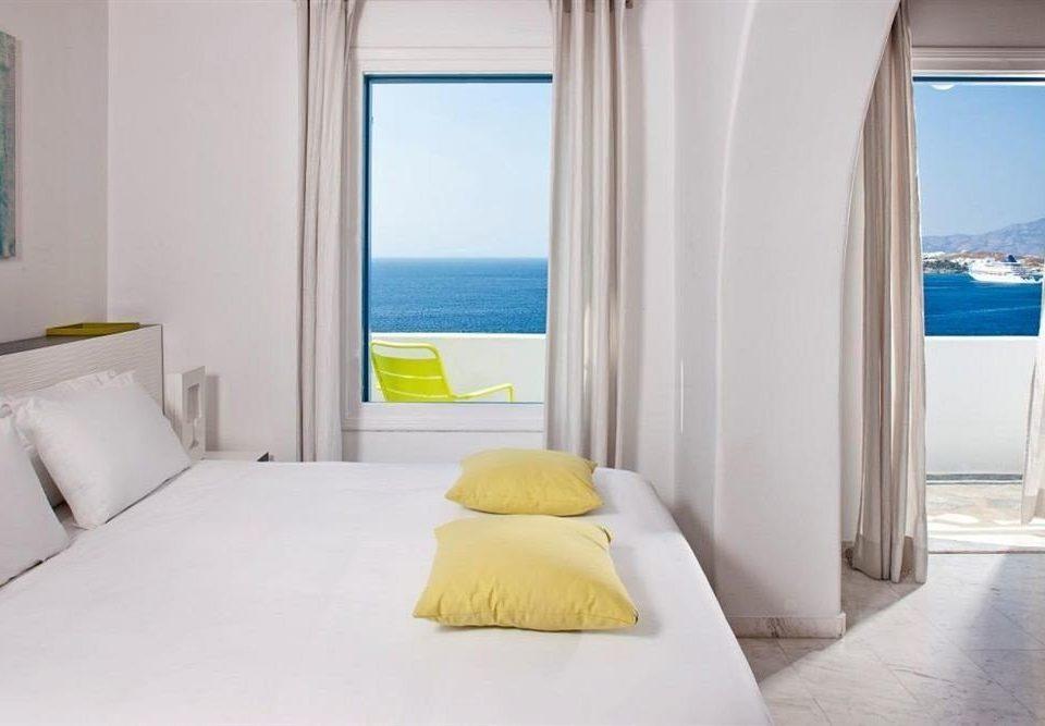 property Bedroom white Suite cottage Villa