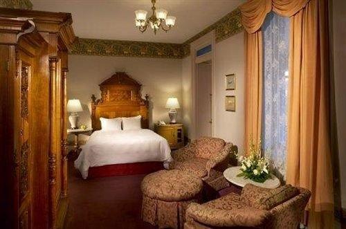 property Bedroom Suite mansion living room cottage home Villa fancy