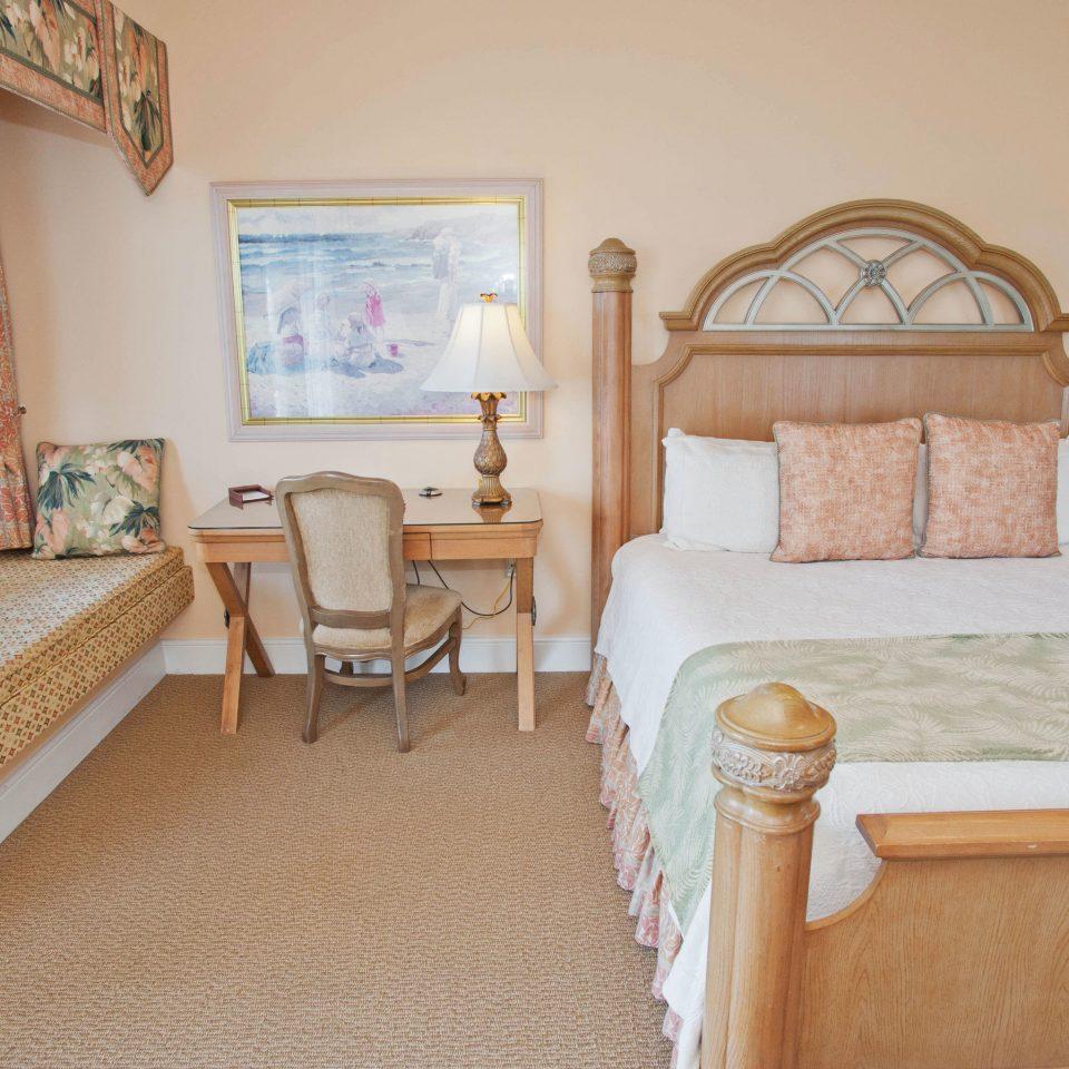 property Bedroom cottage Suite hardwood Villa home farmhouse