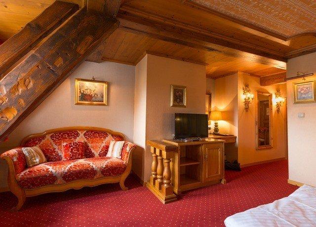 property Suite living room cottage home Villa Bedroom