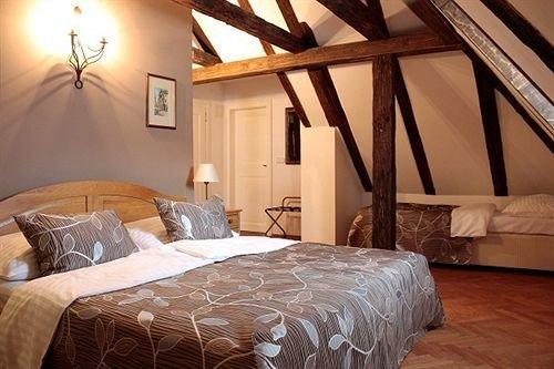 property Bedroom cottage Suite farmhouse Villa