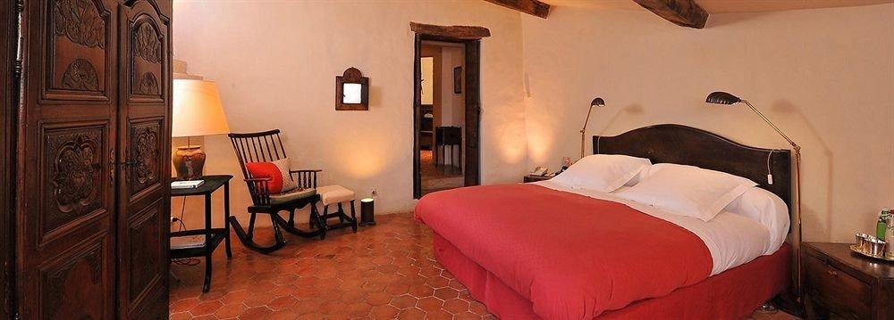 property red cottage Suite Bedroom Villa