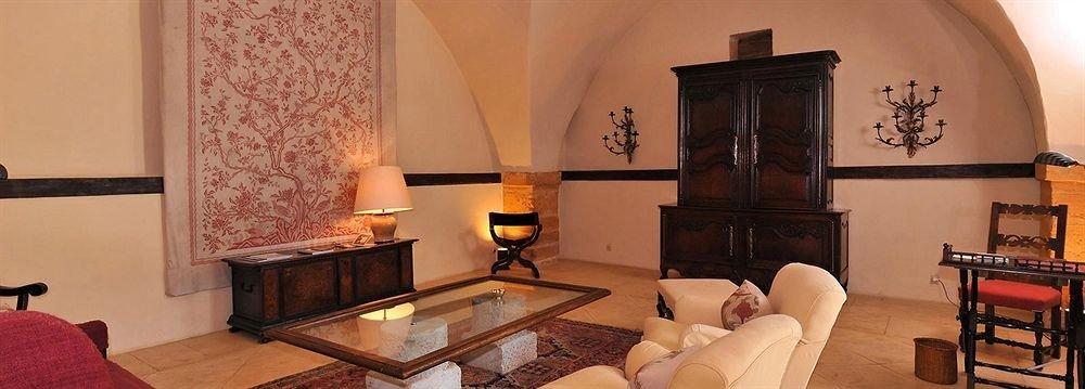 sofa property Suite living room Villa cottage home Bedroom