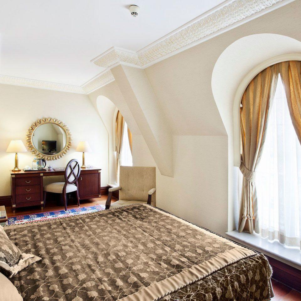 property Bedroom Suite cottage Villa living room mansion