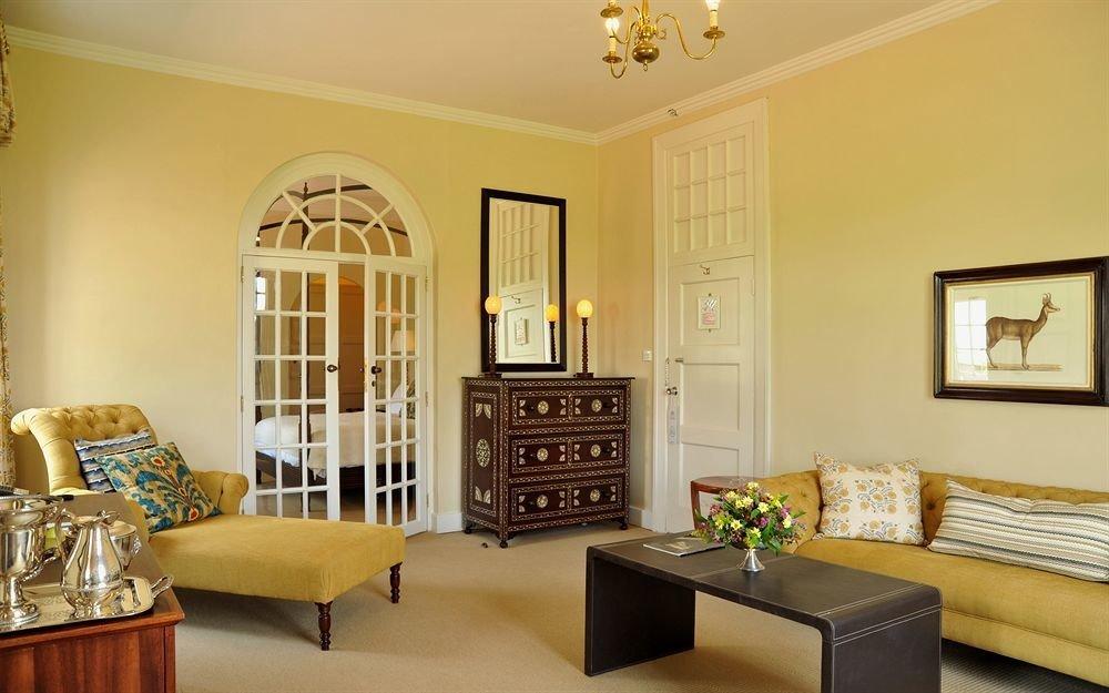 living room property home hardwood Bedroom cottage Suite Villa farmhouse flat leather