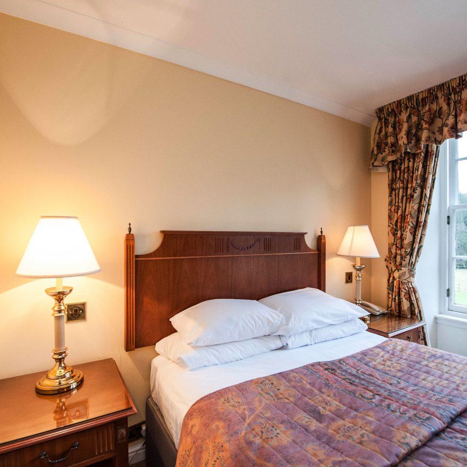 Bedroom property cottage Suite pillow lamp Villa