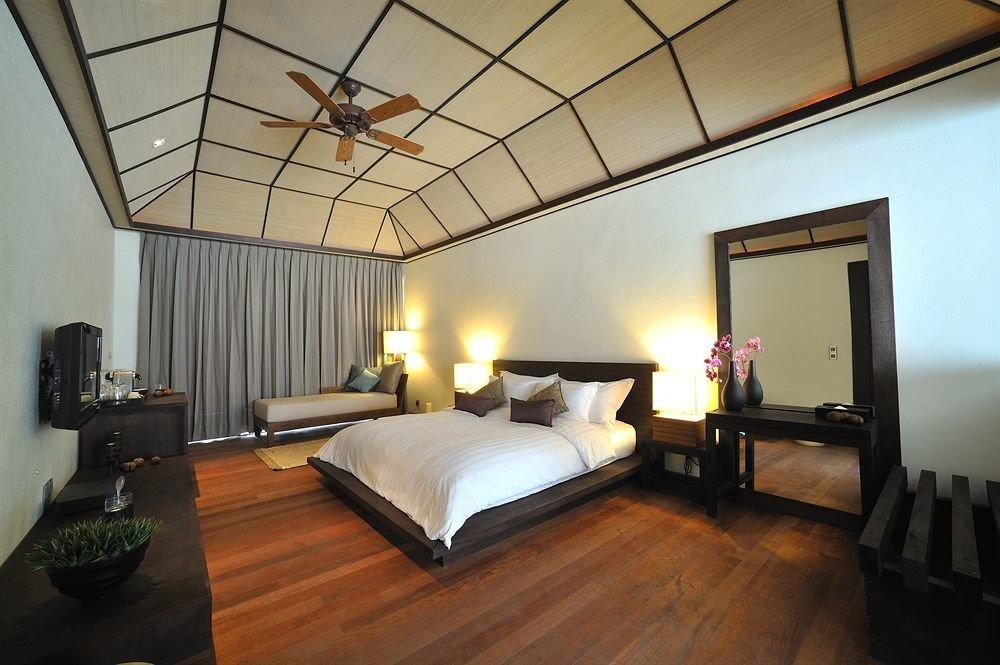 property cottage Bedroom hardwood Villa Suite loft