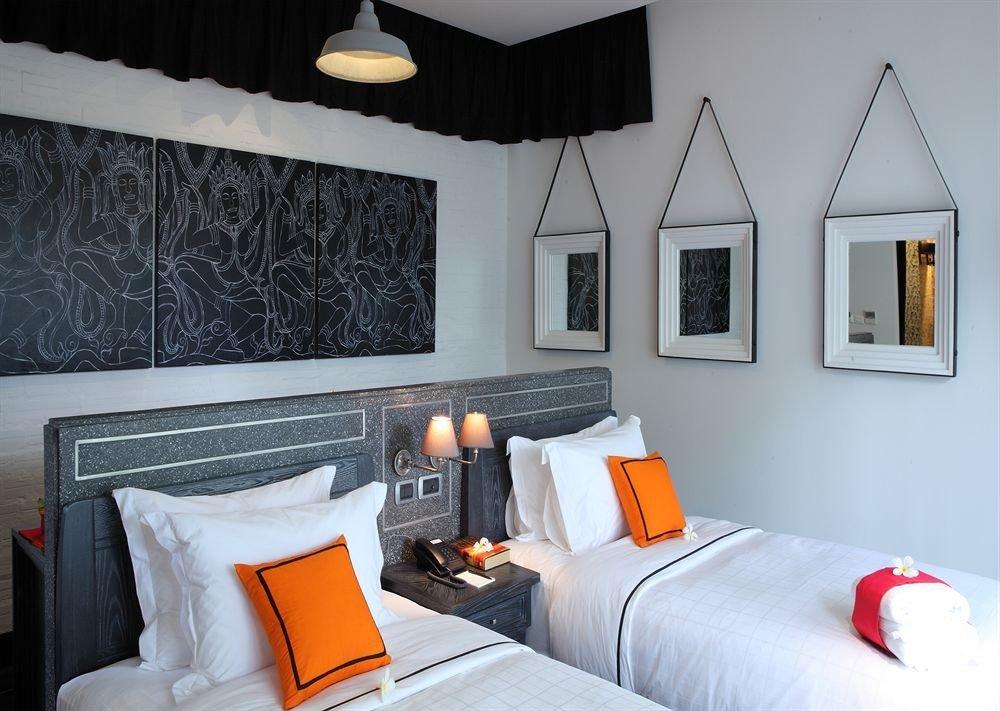 property Bedroom cottage Suite home living room Villa orange