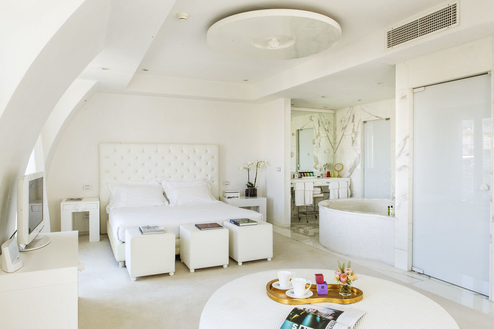 property white living room toilet Suite home sink Villa cottage Bedroom mansion