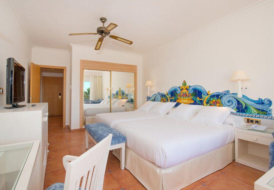 property Bedroom cottage home Villa Suite living room