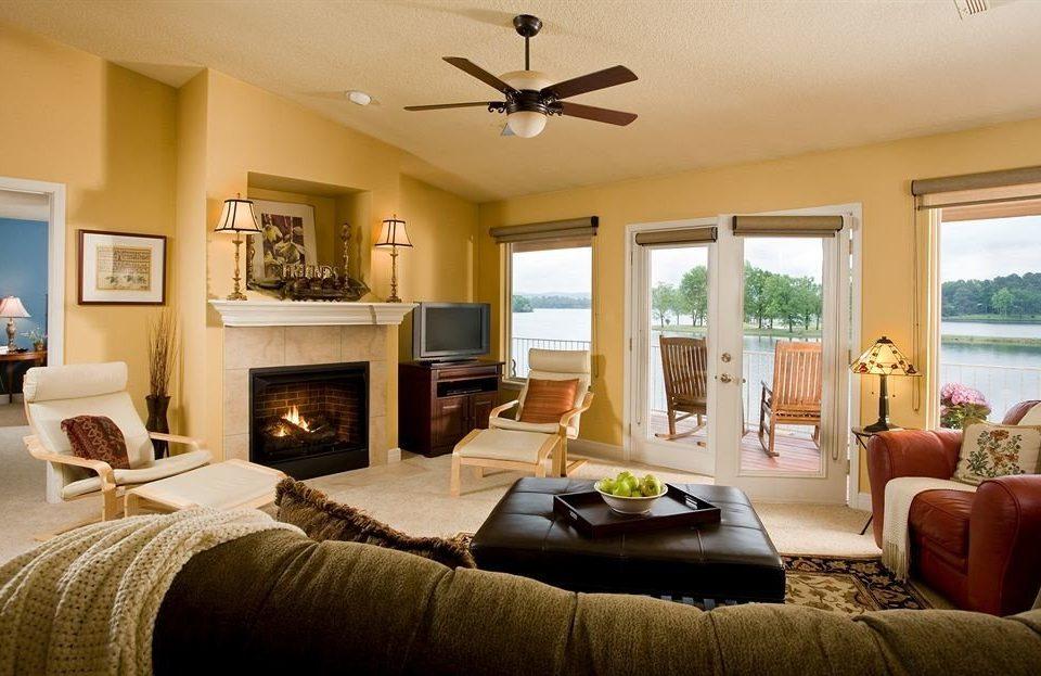 sofa property living room home Bedroom hardwood cottage nice Suite Villa farmhouse flat