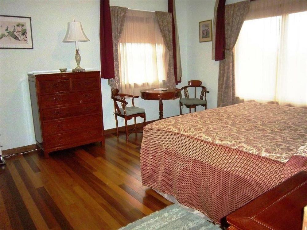 property cottage hardwood Suite Villa wood flooring Bedroom hard