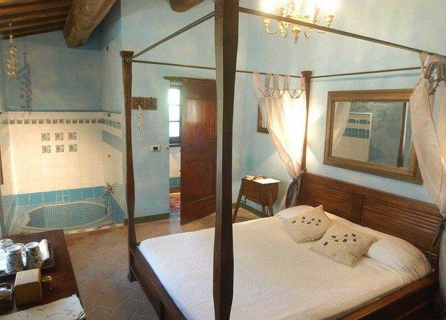 property cottage Suite Villa Bedroom