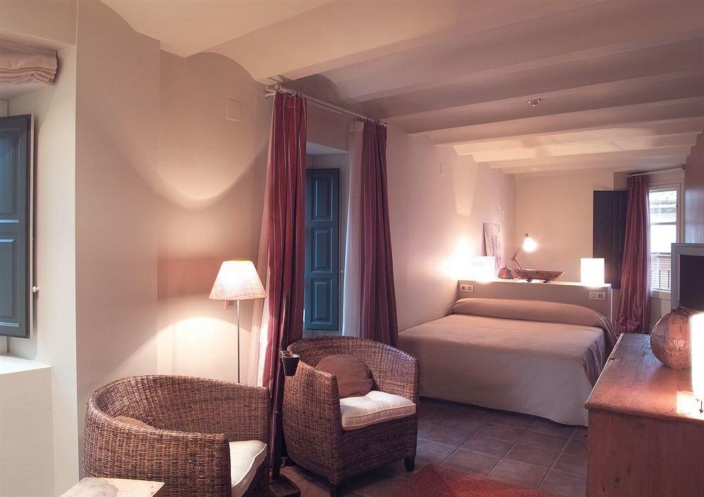 Bedroom property Suite living room home cottage Villa flat