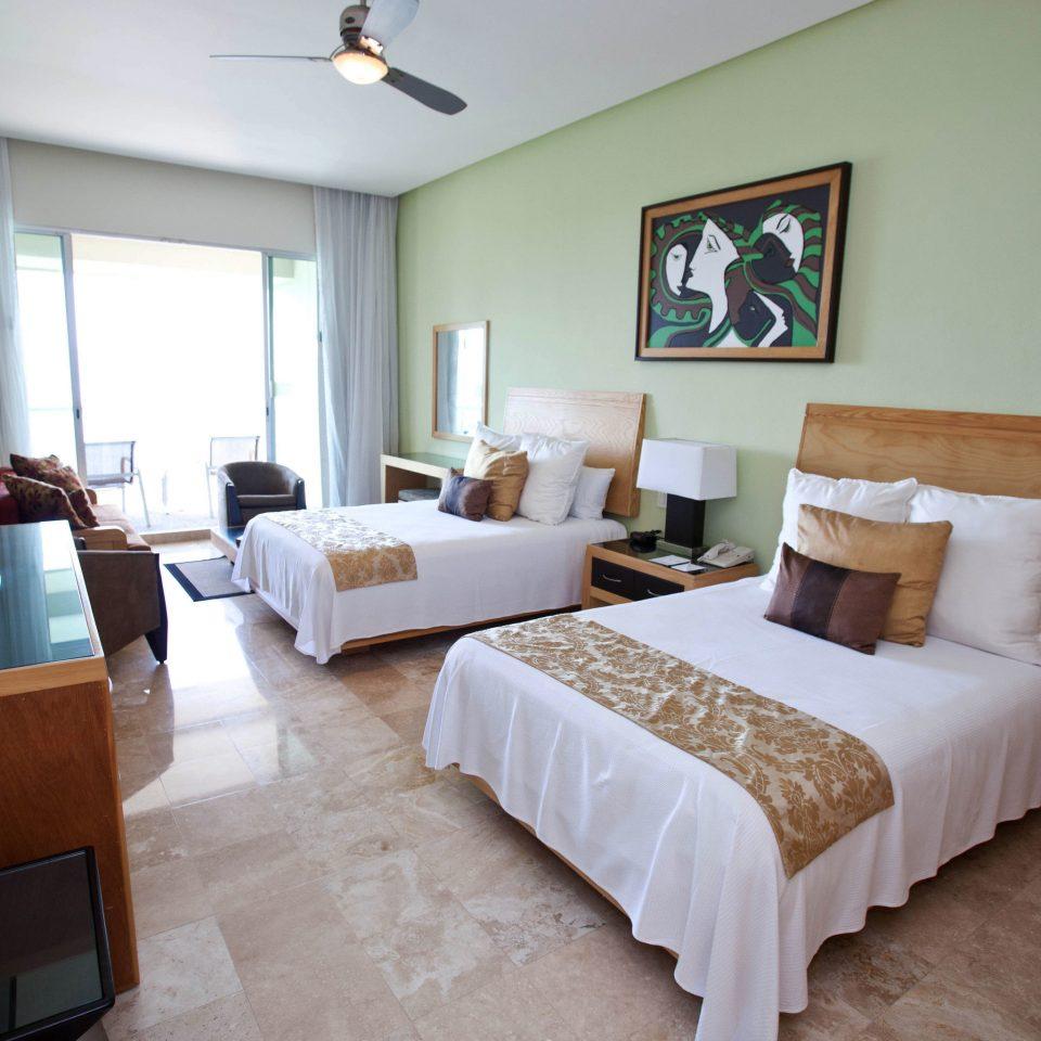 property Bedroom Suite cottage Villa home living room