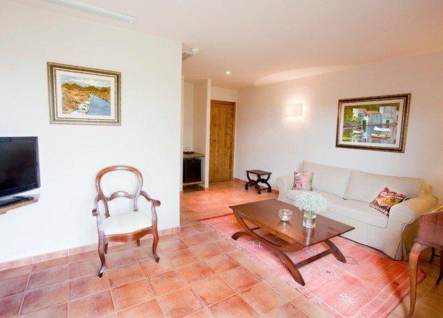 property living room home cottage hardwood Bedroom Suite Villa hard