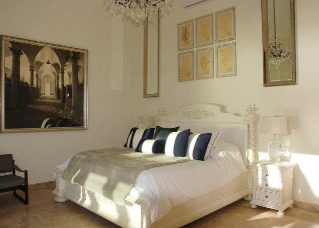 Bedroom property bed frame cottage living room bed sheet Villa